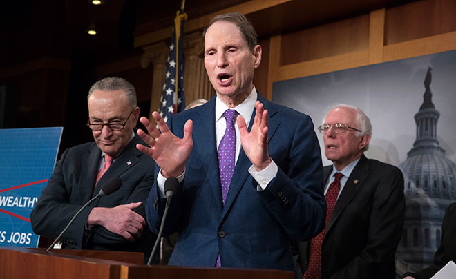 Wyden at the Democrats' unveiling
