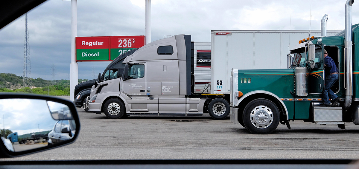 diesel-truck-stop-driver-fuel-flickr-texas
