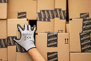 Amazon Thrives on FedEx Delivery Model, but Driver Pay