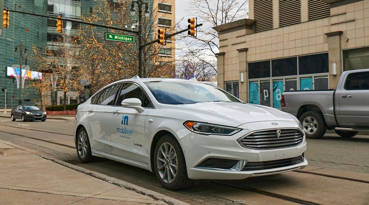 A self-driving vehicle from Intel company Mobileye's autonomous test fleet navigates Detroit streets.