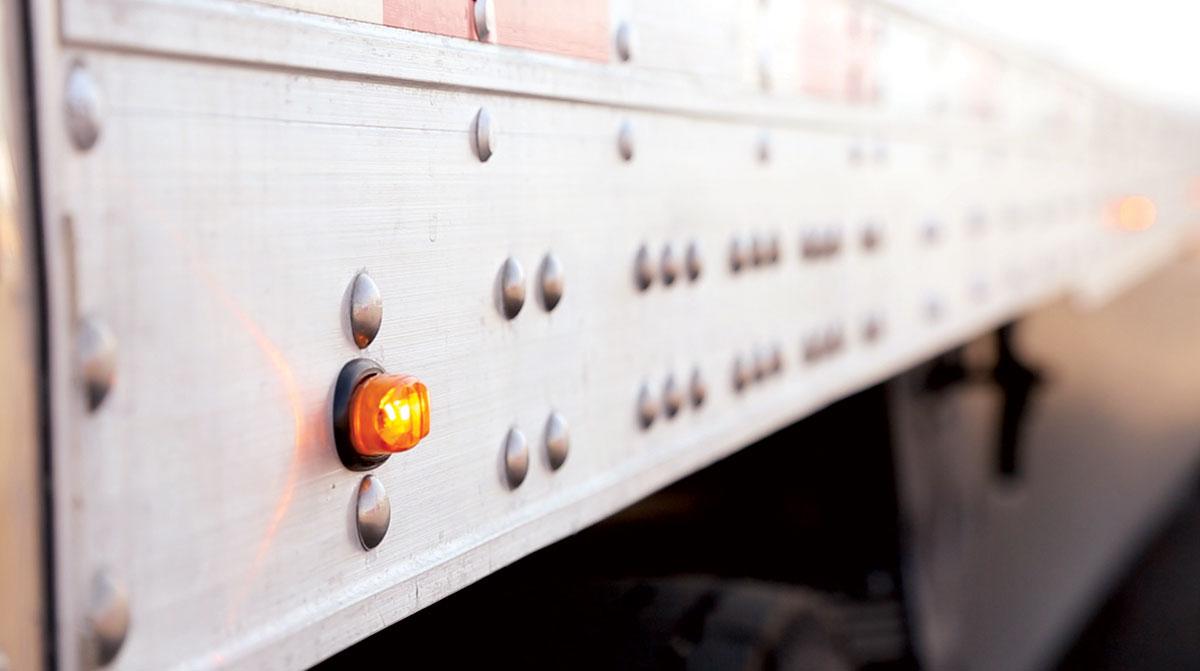 Side light on a trailer