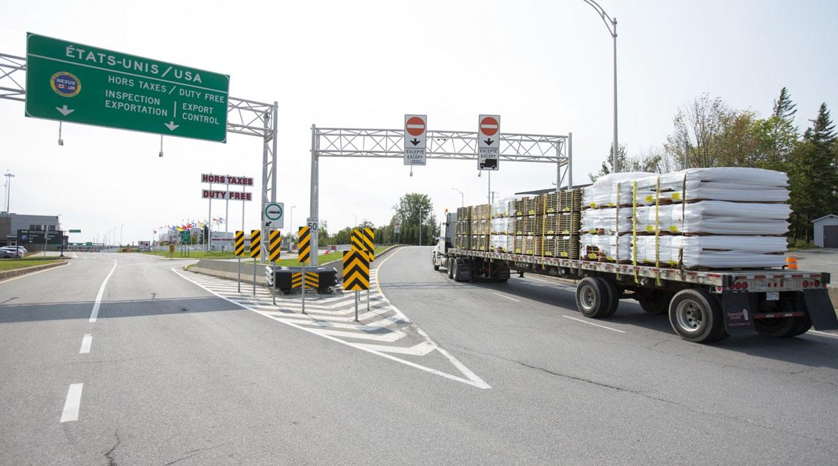 A truck approaches the Canada-U.S. border in Saint-Bernard-de-Lacolle, Quebec on Sept. 16.