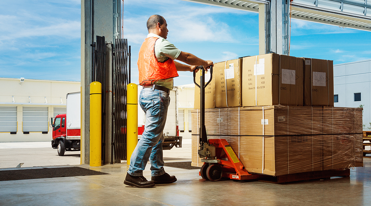 CVSA Seeks Solution to Allow Inspectors to Ticket Shippers for Cargo