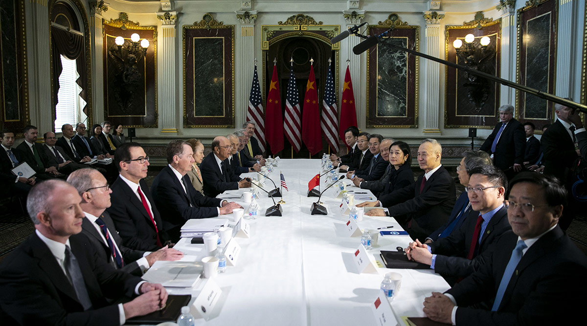 Leaders from China and the US during trade talks