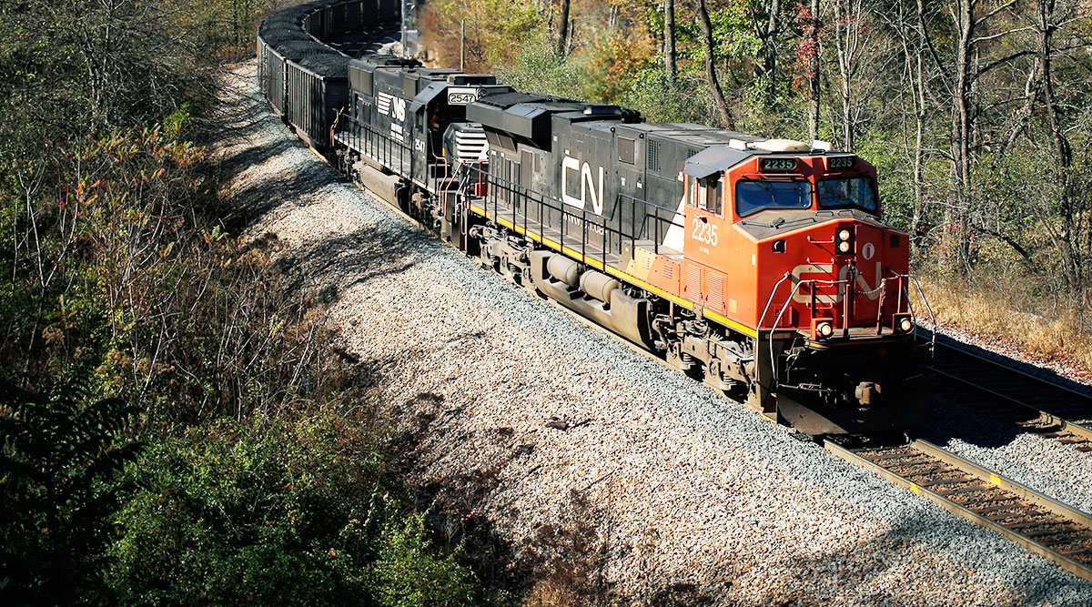 CN Rail Open to Moving Alberta's Oil-Shipping Deals to
