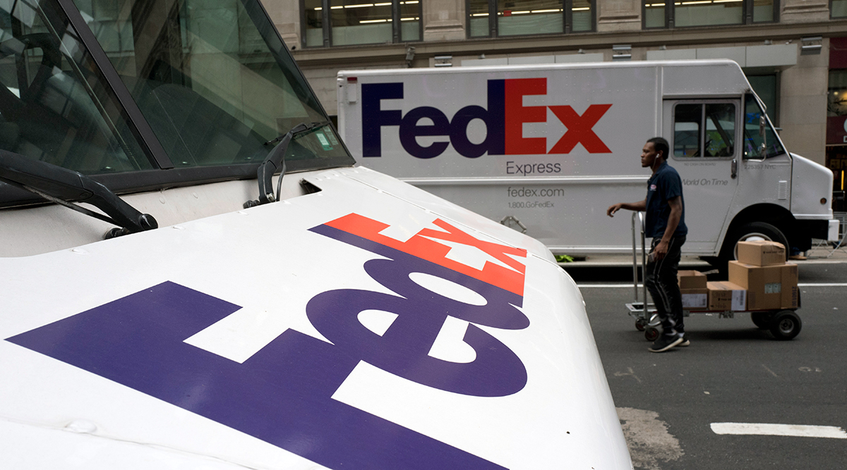 fedex reports solid quarter expands walmart deal transport topics. Black Bedroom Furniture Sets. Home Design Ideas