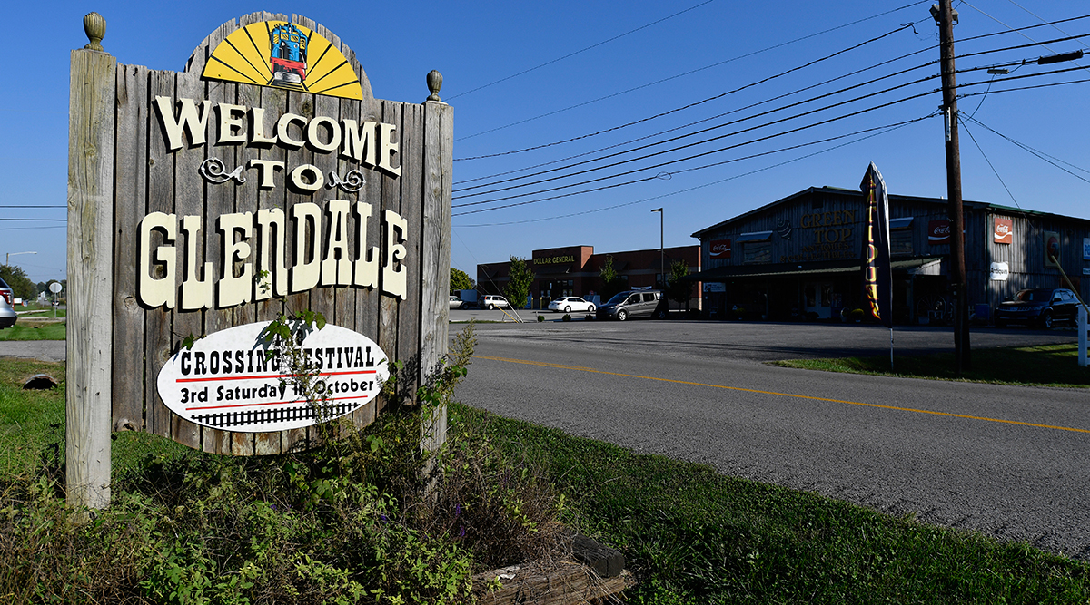 A sign welcoming visitors to Glendale, Ky.