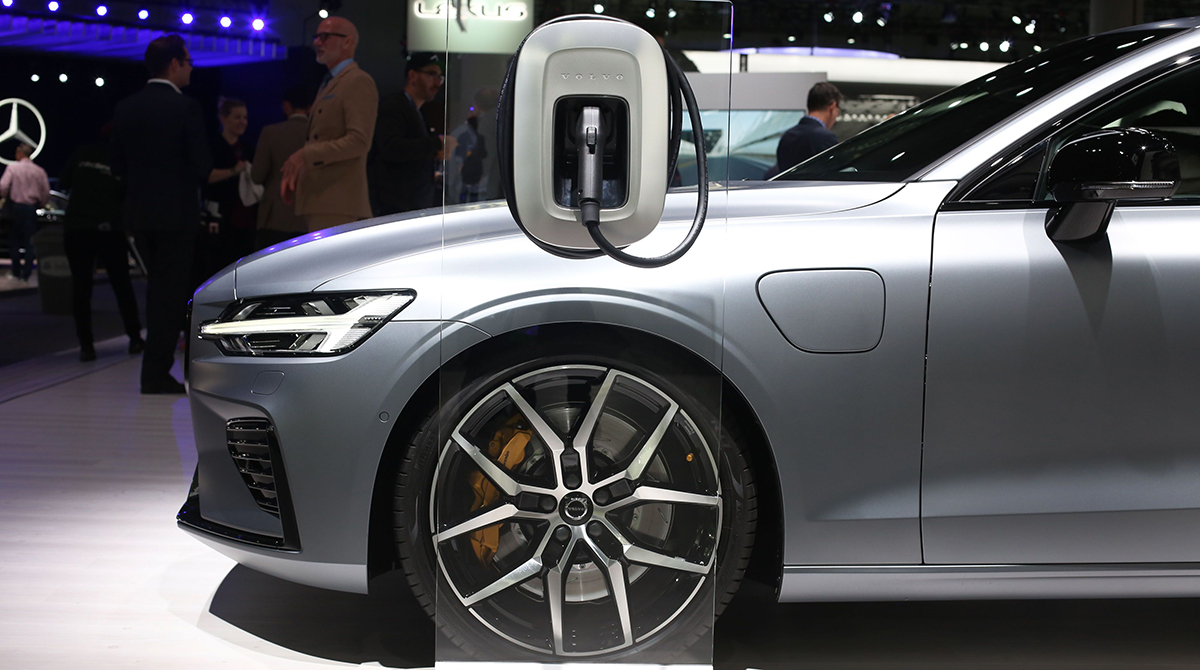 Volvo, Geely plan to work together on electric cars.