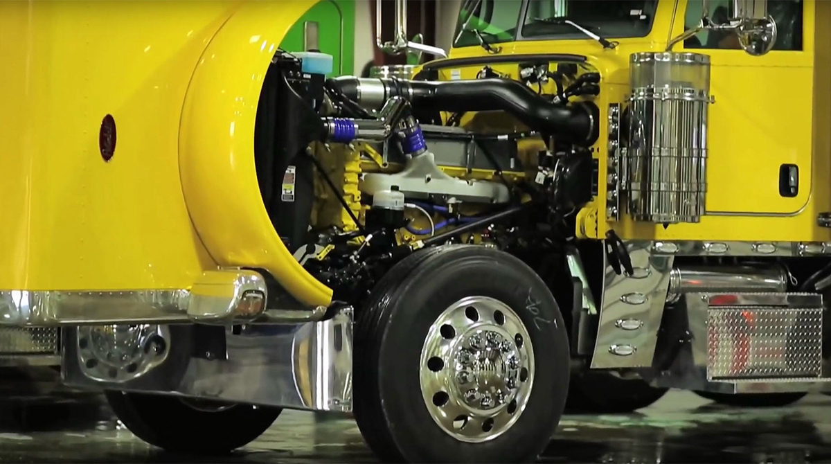 Fitzgerald Glider Kit installed in a Peterbilt 389
