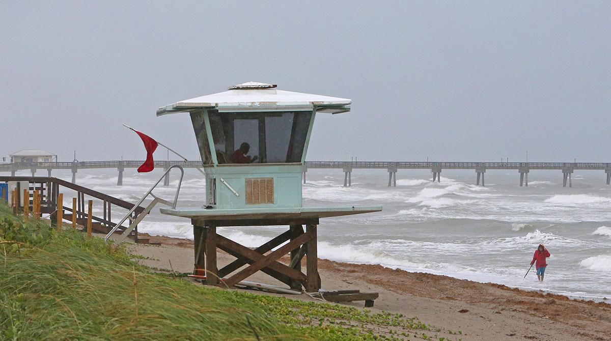Lifeguard tower at Dania Beach, Fla.