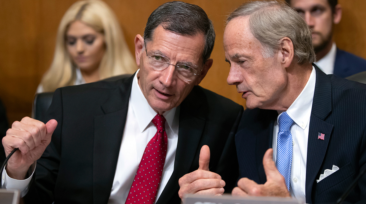 EPW members Sens. Barrasso and Carper