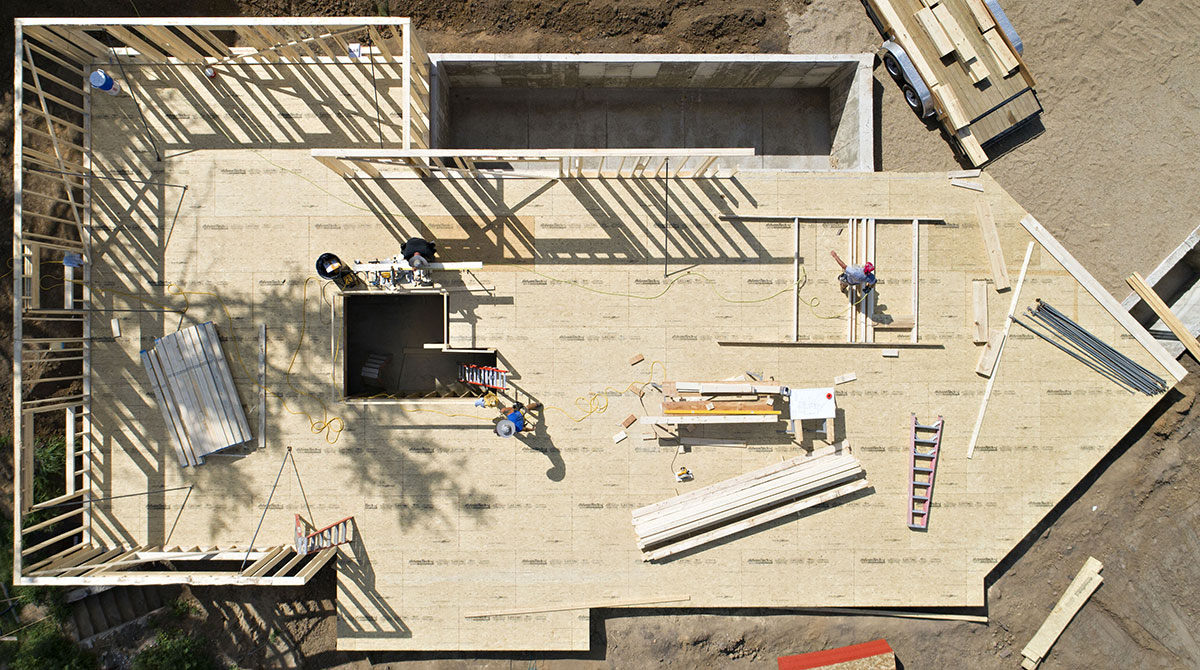41d0c8b7367 Contractors build wall frames during construction of a new home in Walnut