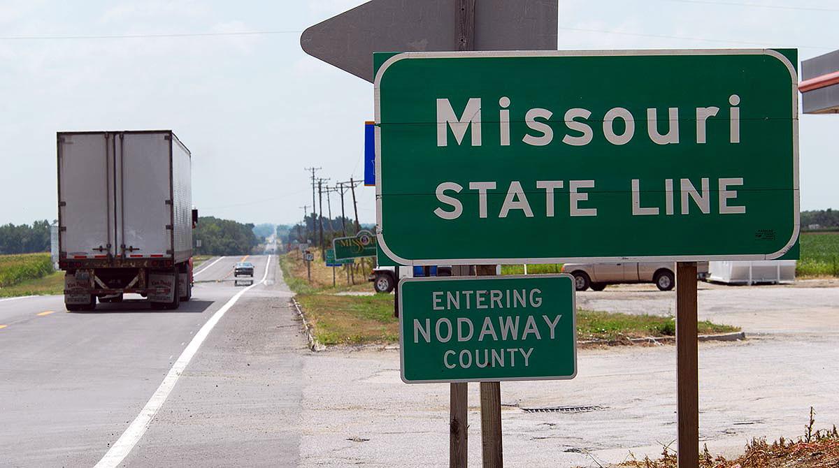 Entering Missouri road sign