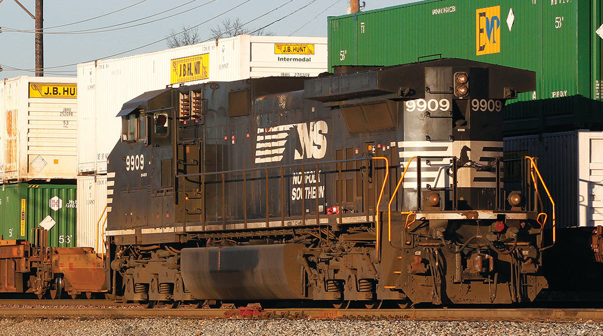 Norfolk Southern train hauling J.B. Hunt containers