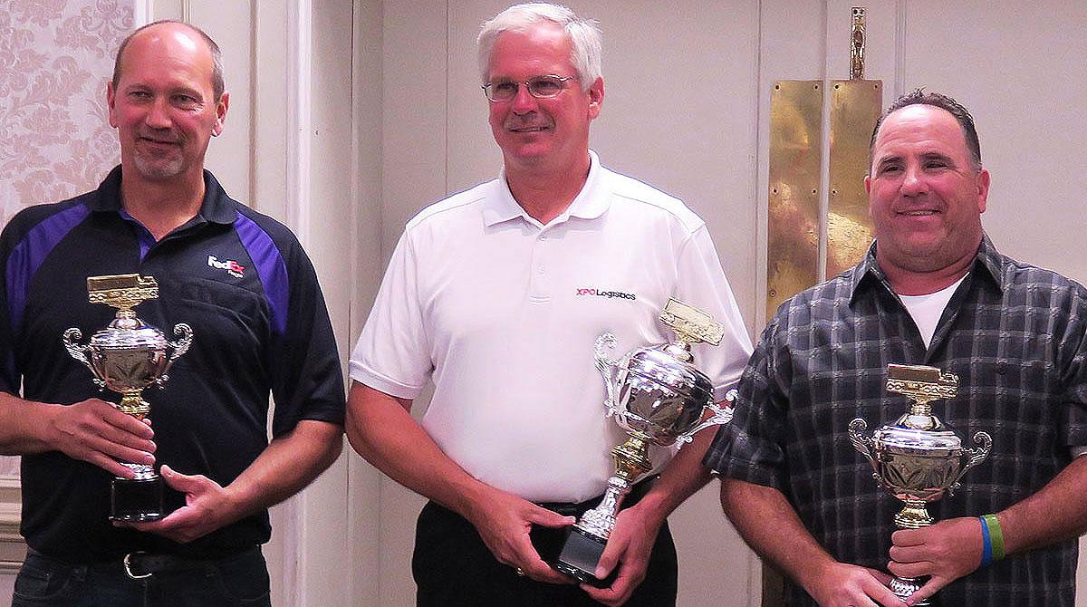 Bob Dolan (center)