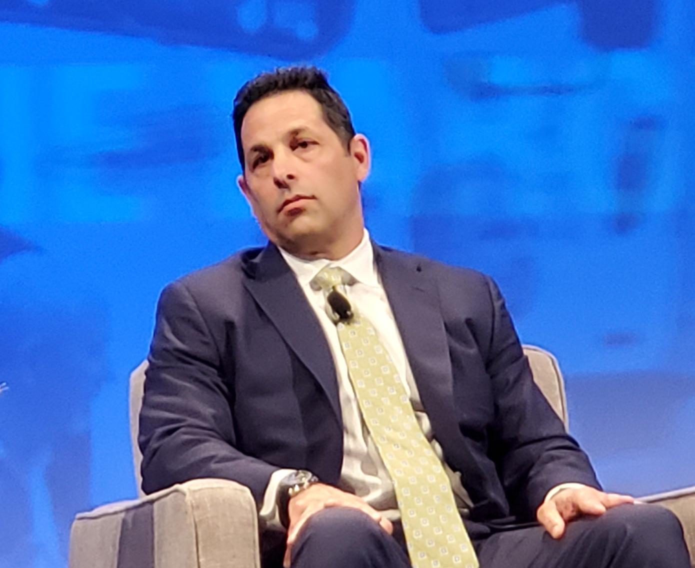 Paul Rosa, senior vice president of procurement and fleet planning for Penske Truck Leasing