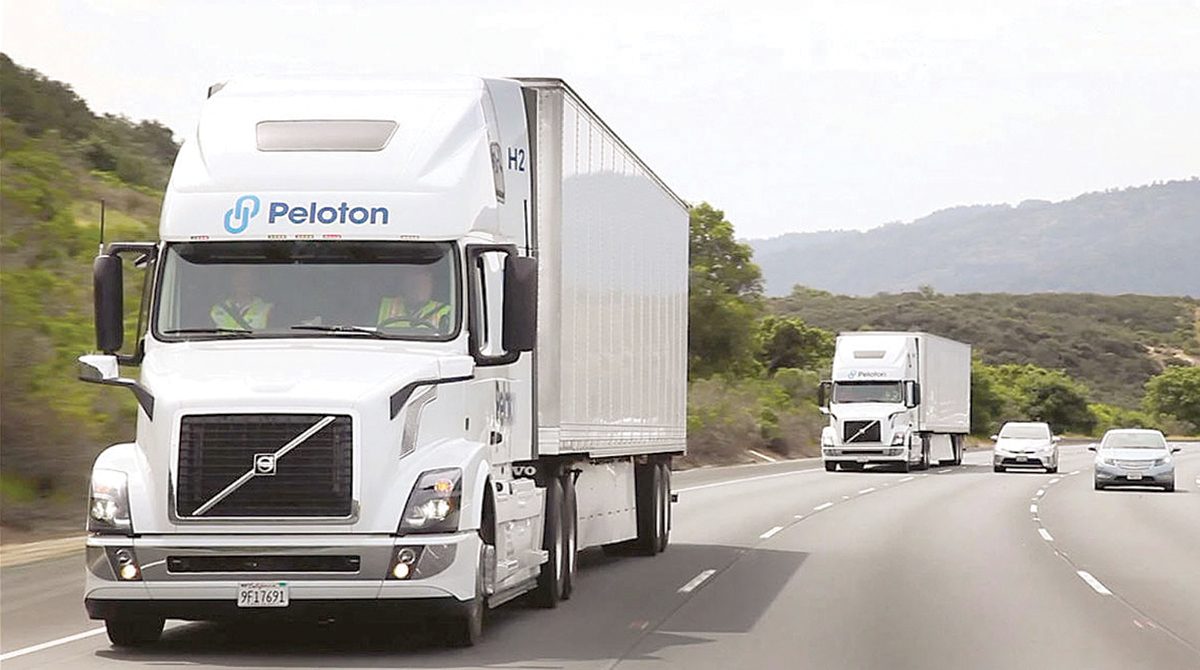 Volvo VNL 670 trucks in Peloton Technology platooning demonstration
