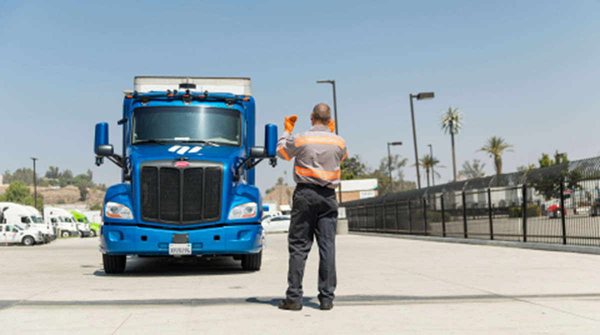 Ryder technician with Embark truck