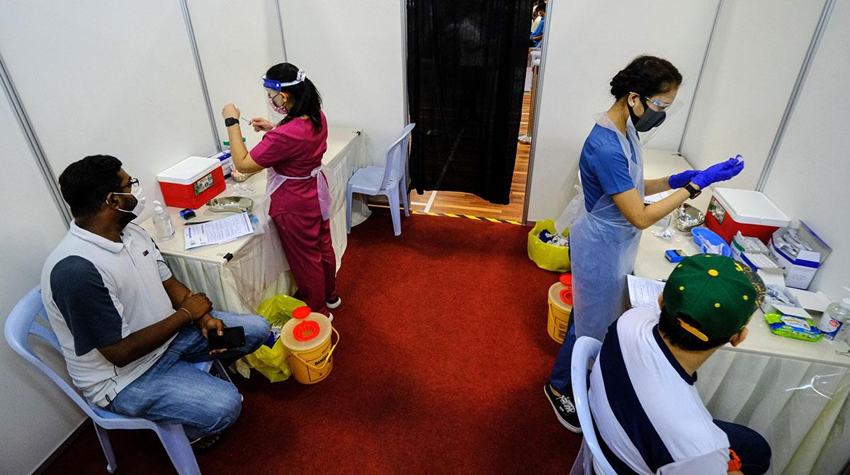 seafarers getting vaccinated