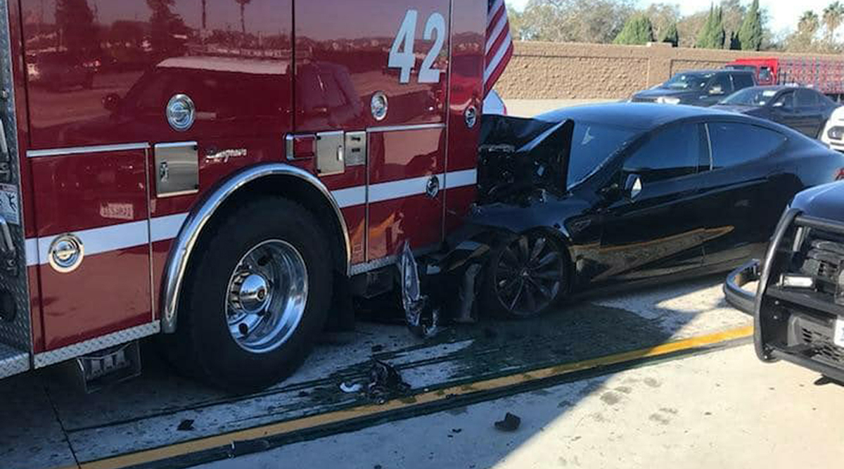 Tesla Driver Seen Gazing Down Before 2018 Crash   Transport
