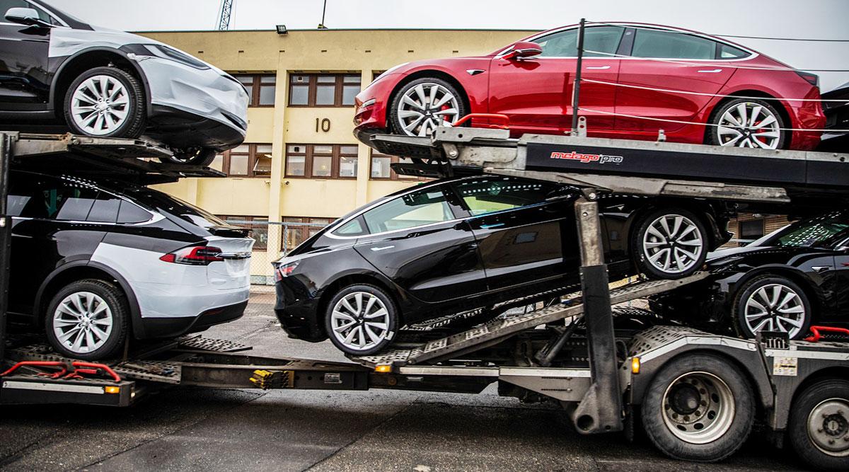 Tesla's Elon Musk Blames Panasonic Battery Lines for Low Model 3