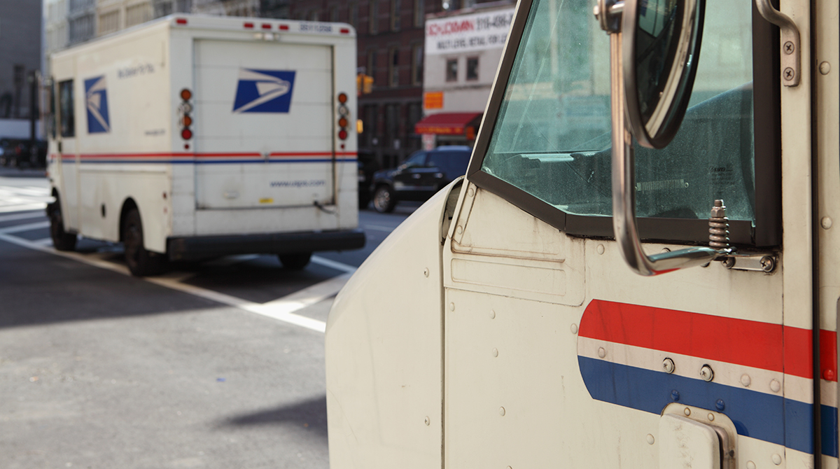 As Trump Pushes to Privatize the Troubled US Postal Service