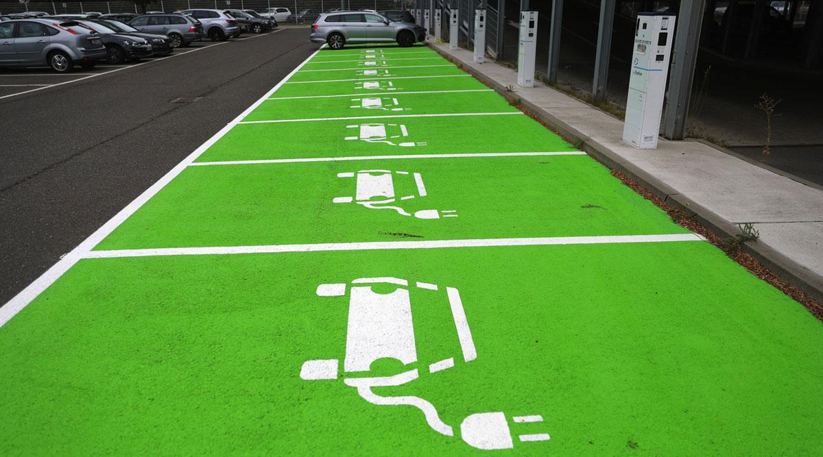VW CEO Herbert Diess praised Bill Gates' proposals for cleaner transportation.