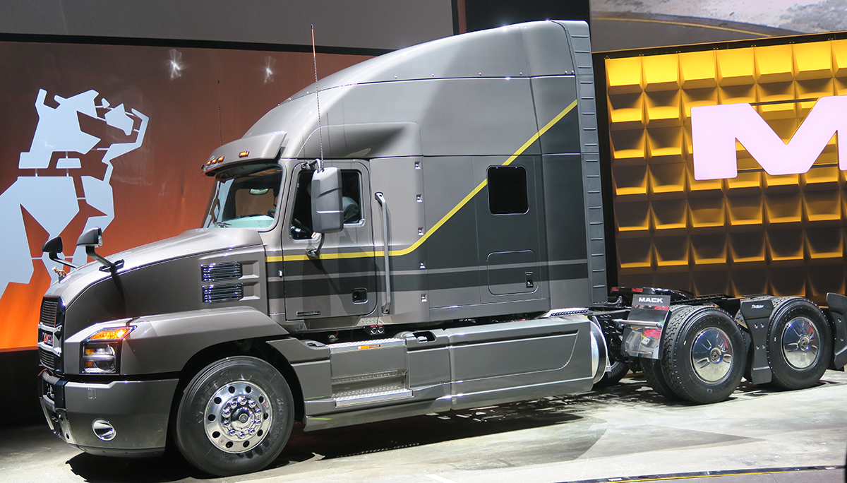 100+ [ Mack Trucks On Twitter ] | Share The Road U0027 ...