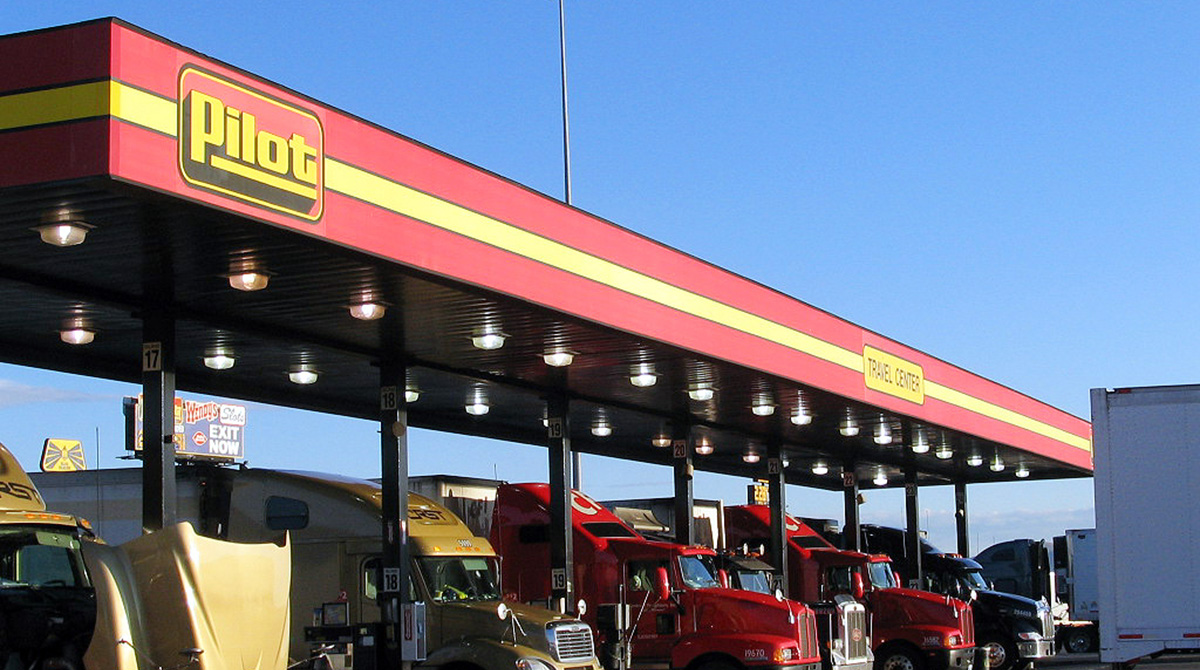 Berkshire Hathaway To Buy Majority Of Pilot Flying J In Two Step