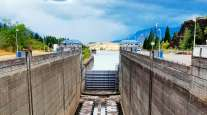 dry boat lock on the Bonneville Dam