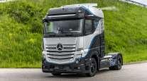 Daimler's Mercedes-Benz GenH2 hopes to offer a range of more than 600 miles. (Daimler Truck AG)