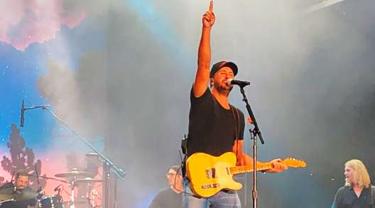 Luke Bryan performs at the Freightliner dinner.