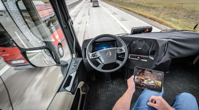 Daimler autonomous truck tested in Germany