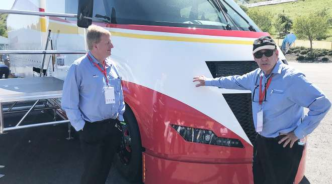 Shell's Bob Mainwaring and Airflow Truck Co.'s Bob Sliwa