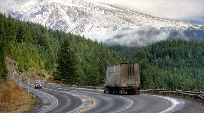 truck-highway-oregon