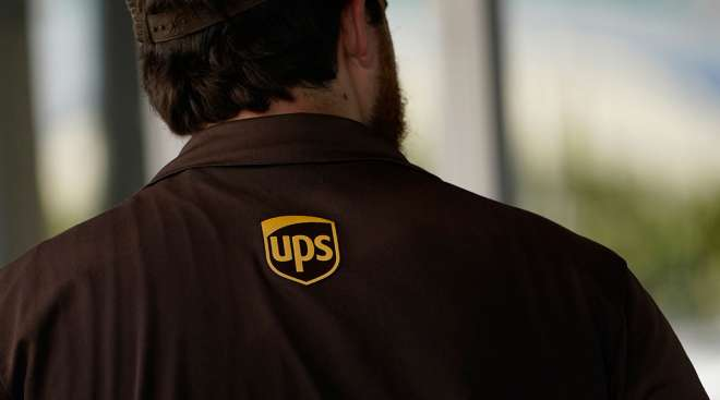 UPS to Hire 100,000 Employees