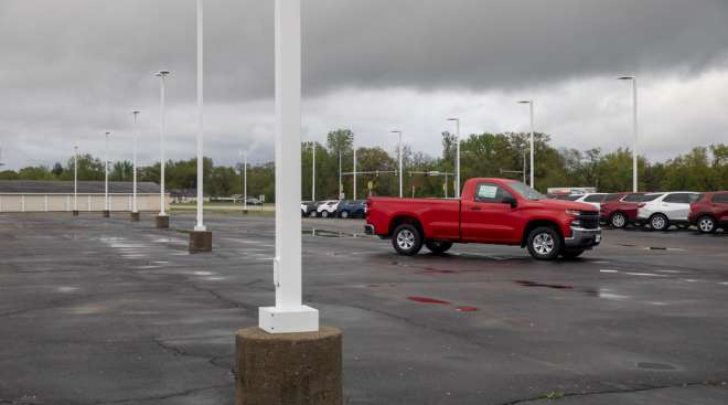 A pickup truck sits at a dealership in Illinois in May. (Daniel Acker/Bloomberg News)